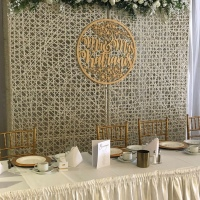 Cane backdrop freestanding